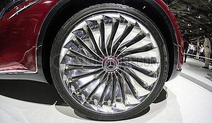 Vision Mercedes-Maybach Ultimate Luxury JGS19051300.jpg