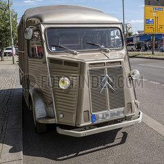 Lieferwagen JGQ19050127.jpg
