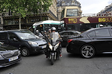 FRANCE- PARIS - TRAFFIC JAM