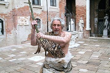 Vladimir Sorokin  Performance zur Ausstellungseroeffnung TELLURIA