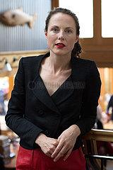 Nina Lyon  britische Autorin  british writer