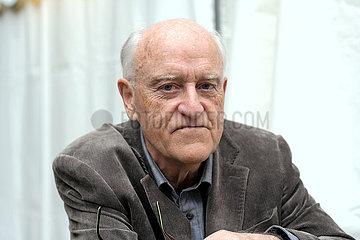 Christian Karlson Stead  neuseelaendischer Autor