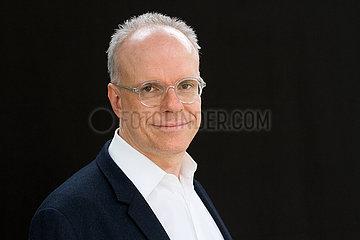 Hans-Ulrich Obrist  schweizer Kurator und Autor Hans-Ulrich Obrist  schweizer Kurator und Autor