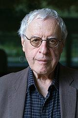 Charles Simic  US-amerikanischer Dichter und Autor