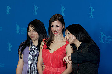Nesrin Samdereli  Aylin Tezel und Yasemin Samdereli auf der Berlinale 2011