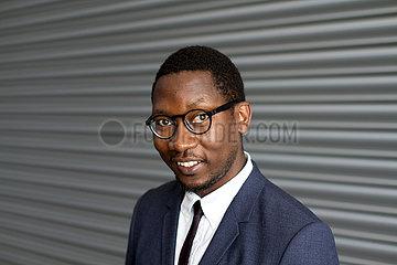 Kalaf Epalanga  angolanischer Autor und Musiker