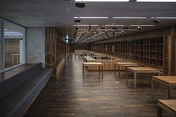 James Simon Gallery the bookstore