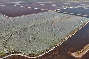 NAMIBIA  NAMIB DESERT  SALT MARSHES