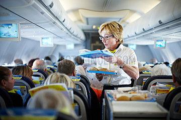 Bordessen im Flugzeug