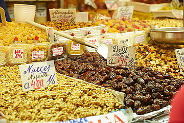 Oliven in der Markthalle von Malaga