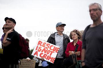 Seebruecke  Sealift Protest