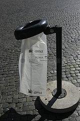 entleert Muelleimer in Rom