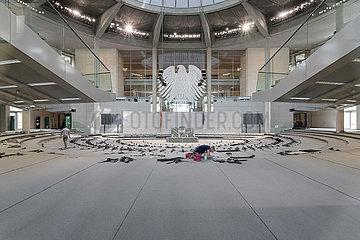 Renovierung im Plenarsaal des Deutschen Bundestags im Sommer 2019