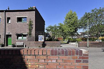 Deutschland  Nordrhein-Westfaeln - 100 Jahre Bauhausgeschichte Dieckelsbachsiedlung in Duisburg Wanheimerort