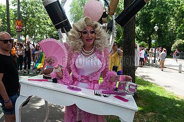 Wien  Oesterreich  Teilnehmer auf der Euro Pride Parade