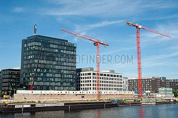 Berlin  Deutschland  Mercedes-Benz Vertriebszentrale am Spreeufer