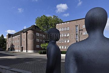 Deutschland  Nordrhein-Westfaeln - 100 Jahre Bauhausgeschichte BauhausKarree in Duisburg-Hamborn