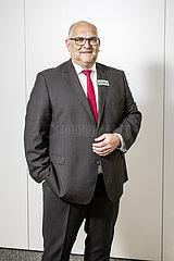 Horst-Peter Hogrebe  Bevollmaechtigter und Unternehmensbereichsleiter IT  Innovation und Unternehmensentwicklung