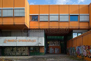 Ruine des Diesterweg-Gymnasiums in der Swinemuender Strasse in Berlin-Gesundbrunnen