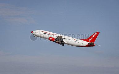albawings Flugzeug startet vom Flughafen Duesseldorf International  DUS  Nordrhein-Westfalen  Deutschland