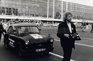 21. Mai 1990  Berlin  Beerdigung der DDR
