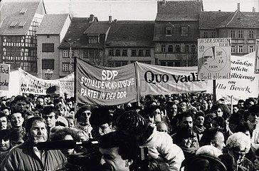 '19. November 1989  Erfurt  ''Kuenstler- Demo'''