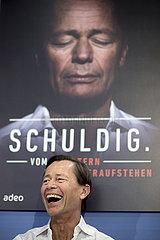 Thomas Middelhoff presents book Schuldig