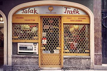 Tabak Trafik  traditioneller Laden  Salzburg  1984