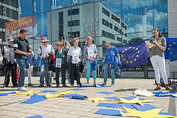 Pulse of Europe  Omas gegen Rechts - Demonstration