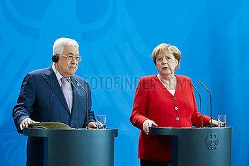 Berlin  Deutschland - Bundeskanzlerin Angela Merkel und Mahmoud Abbas  der Praesident der Palaestinensischen Autonomiebehoerde.