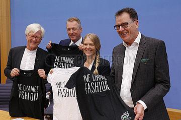 Bundespressekonferenz zum Thema: Vorstellung des staatlichen Textilsiegels