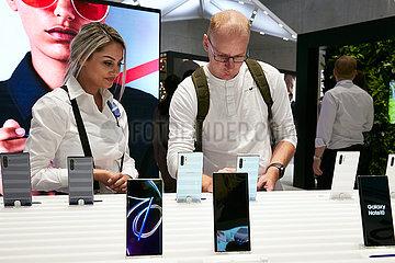 Berlin  Deutschland - SAMSUNG stellt das Galaxy Note 10 zur IFA vor.