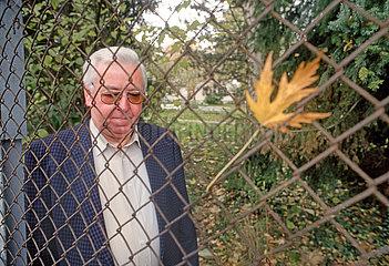Manfred Buehl  Sohn von Hitler-Attentaeter Georg Elser  1996
