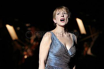 Komische Oper Berlin DIE SIEBEN TODSUENDEN