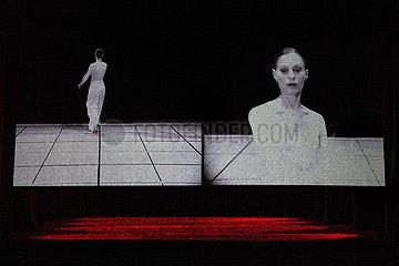 Lucinda Childs Dance Company DANCE