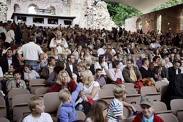 Bad Hersfelder Festspiele 2011  Theaterpublikum