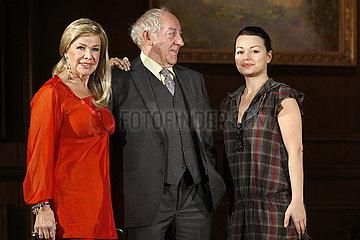 Ingrid van Bergen (Schauspielerin)  Dieter Hallervorden (Schauspieler und Theaterleiter) und Cosma Shiva Hagen (Schauspielerin)