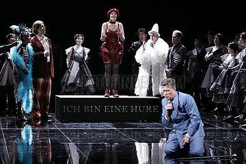Komische Oper Berlin LA TRAVIATA