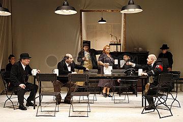 Berliner Ensemble SCHWEYK IM ZWEITEN WELTKRIEG