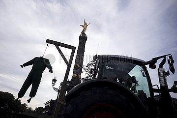 Farmers Protest Agricultural Policy
