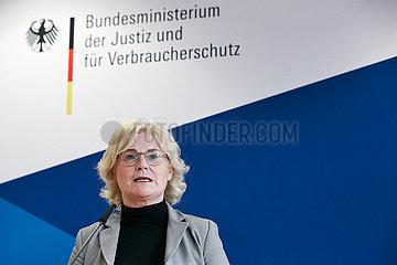 Berlin  Deutschland - Christine Lambrecht  Bundesjustizministerin.