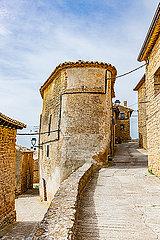 Stadtbild von Ujujé in Navarra Spanien