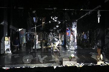 Deutsches Theater Berlin GLAUBE LIEBE HOFFNUNG