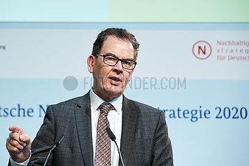Berlin  Deutschland - Dr. Gerd Mueller  Bundesminister fuer wirtschaftliche Zusammenarbeit und Entwicklung.