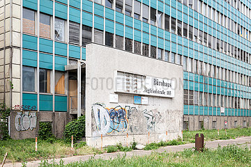 Leerstehendes Buerogebaeude in der Siegfriedstrasse in Berlin-Lichtenberg