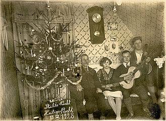 private Weihnachtsfeier  singen Weihnachtslieder  Schweiz  1928