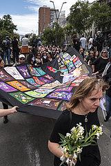 Frauen im Trauer