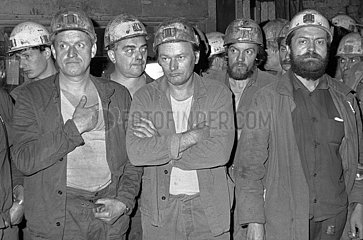 Streikende Bergleute bei der SDAG Wismut  DDR  September 1990