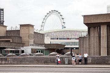 Hayward Gallery und das London Eye