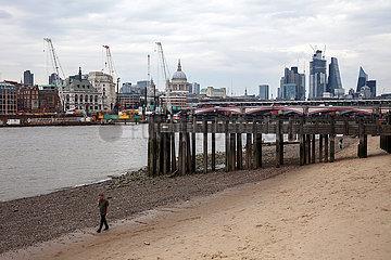 Skyline von London und Themse